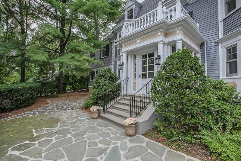 Additional photo for property listing at 8 S Mountain Avenue  Montclair, Нью-Джерси 07042 Соединенные Штаты