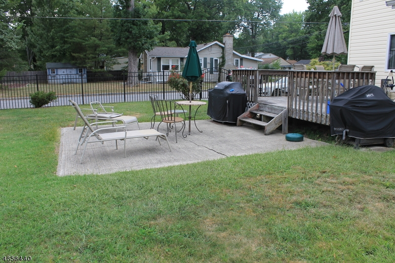 Additional photo for property listing at 98 Minnehaha Blvd  Lake Hiawatha, New Jersey 07034 États-Unis