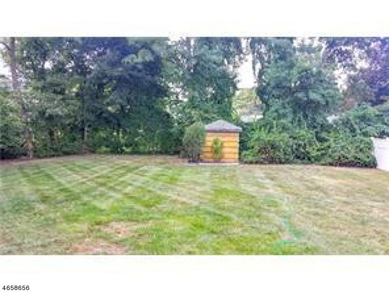 Additional photo for property listing at 44 Hilltop Blvd  East Brunswick, Nueva Jersey 08816 Estados Unidos