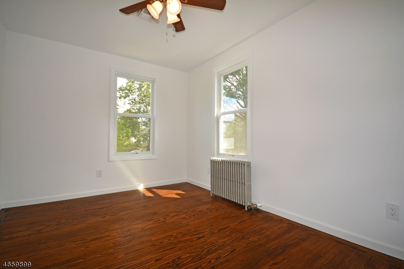 Additional photo for property listing at 164 High Street  South Bound Brook, Nueva Jersey 08880 Estados Unidos
