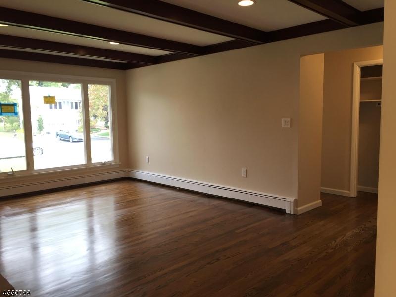 Additional photo for property listing at 17 Springdale Garden Road  牛顿, 新泽西州 07860 美国