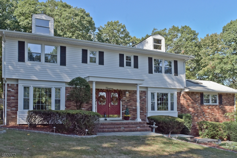 Single Family Home for Sale at 14 Cambridge Road Morris Plains, 07950 United States