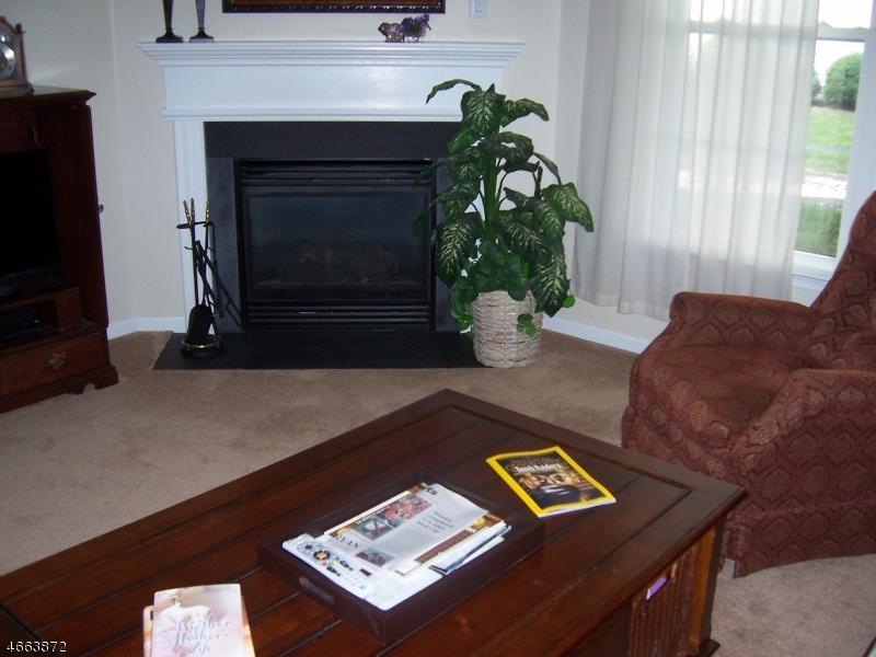 Additional photo for property listing at 8 Weybourne Lane  Belvidere, Nueva Jersey 07823 Estados Unidos