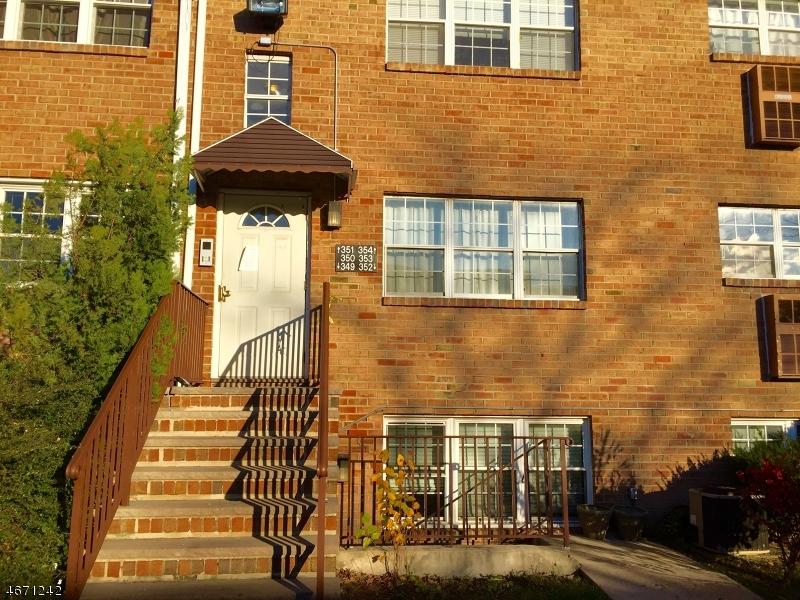 独户住宅 为 出租 在 349 COLLEGE Drive 爱迪生, 新泽西州 08817 美国