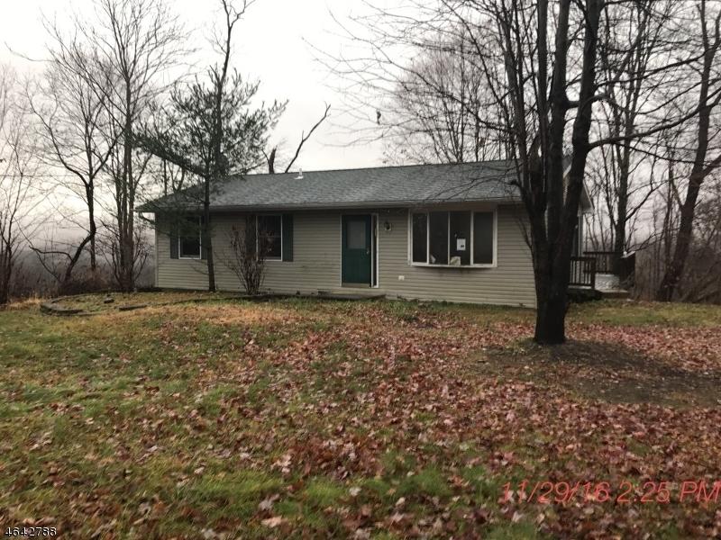 Maison unifamiliale pour l Vente à 32 Locust Lake Road Blairstown, New Jersey 07825 États-Unis