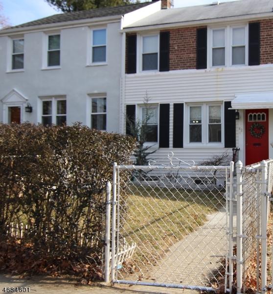 独户住宅 为 出租 在 42 James Street Dover, 新泽西州 07801 美国