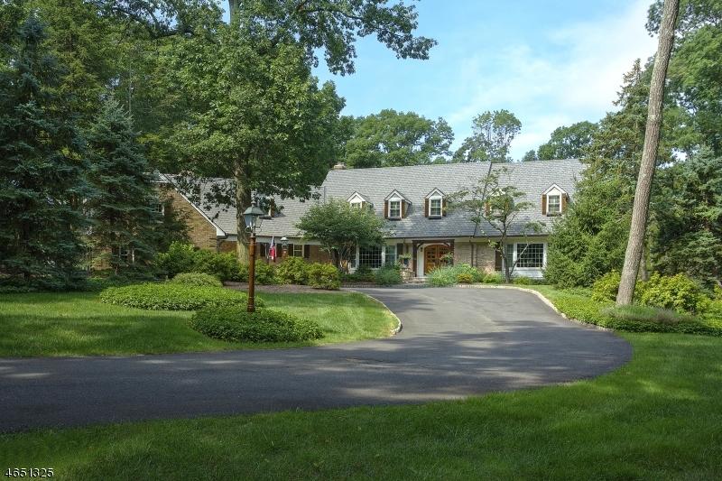 Частный односемейный дом для того Продажа на 90 Boulderwood Drive Bernardsville, 07924 Соединенные Штаты