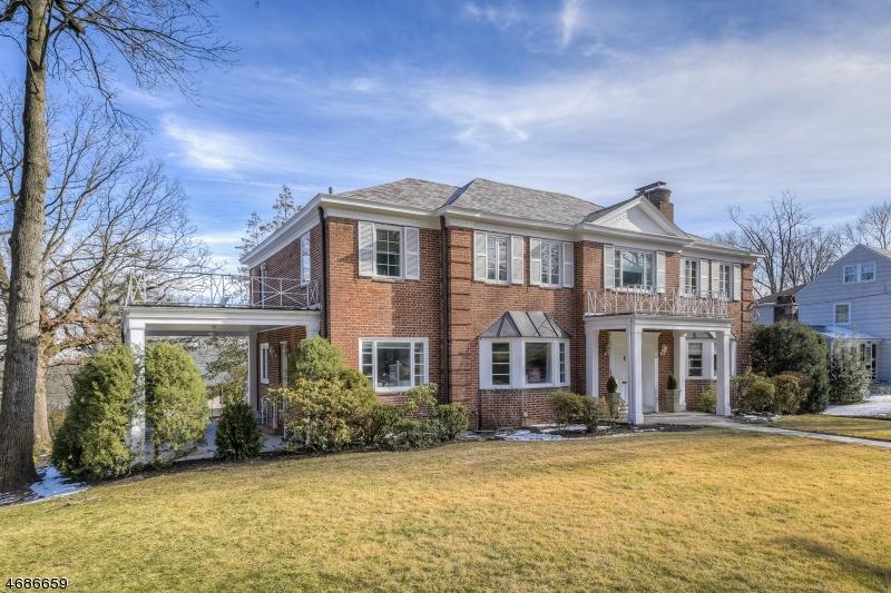 Частный односемейный дом для того Продажа на 116-118 WYOMING AVENUE Maplewood, 07040 Соединенные Штаты