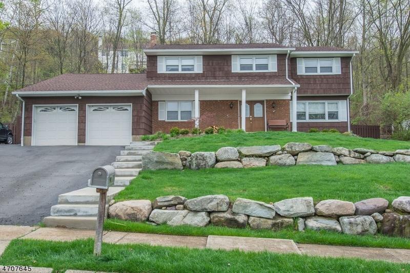 独户住宅 为 销售 在 19 Bean Court Wanaque, 07465 美国