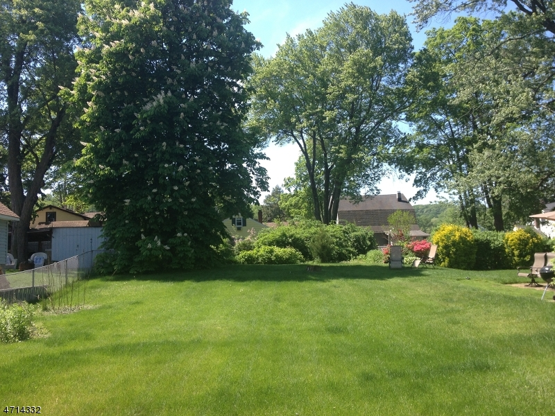 Land for Sale at 27 Ballston Street 27 Ballston Street Bloomingdale, New Jersey 07403 United States