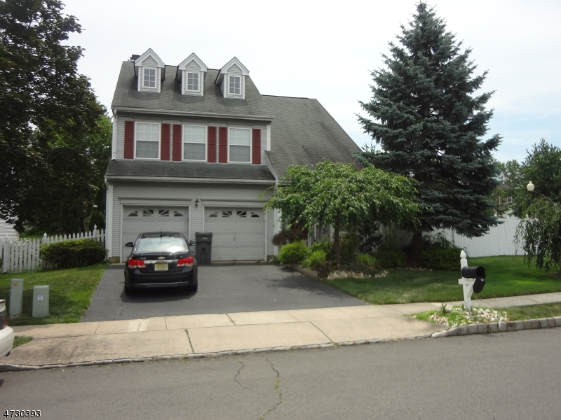 Maison unifamiliale pour l à louer à 58 Cartier Drive Franklin, New Jersey 08823 États-Unis