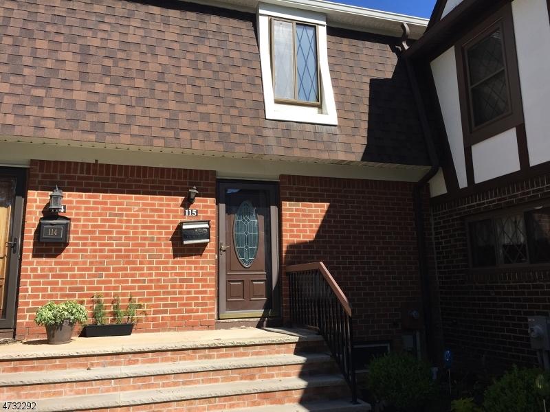 Частный односемейный дом для того Аренда на 115 Devonshire Court Hillsborough, Нью-Джерси 08844 Соединенные Штаты