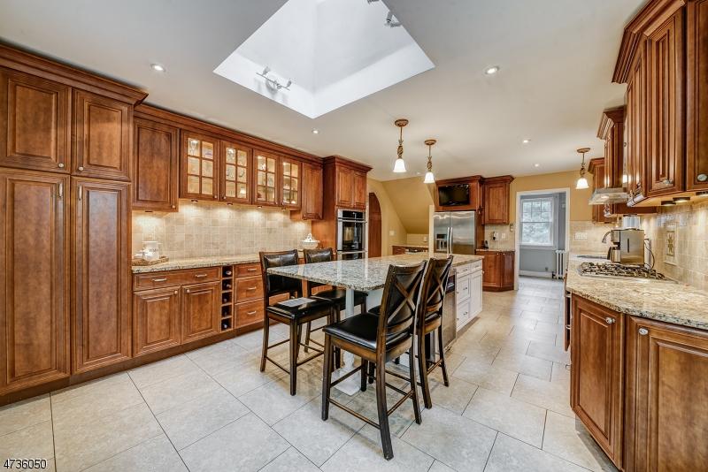 Частный односемейный дом для того Продажа на 47 Jefferson Avenue Maplewood, 07040 Соединенные Штаты