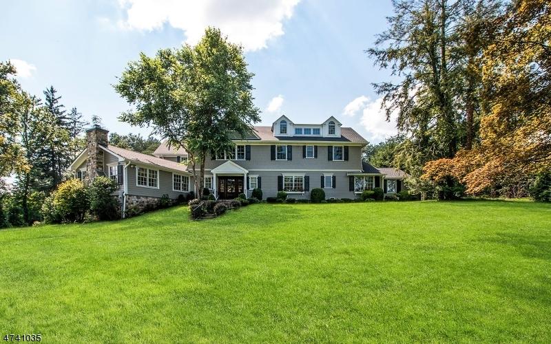 Maison unifamiliale pour l Vente à 77 STEWART Road Millburn, New Jersey 07078 États-Unis