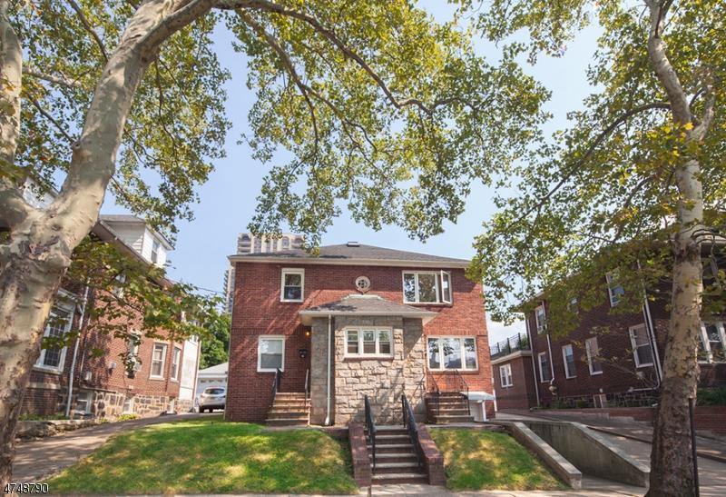 Maison unifamiliale pour l à louer à 12 76th Street North Bergen, New Jersey 07047 États-Unis