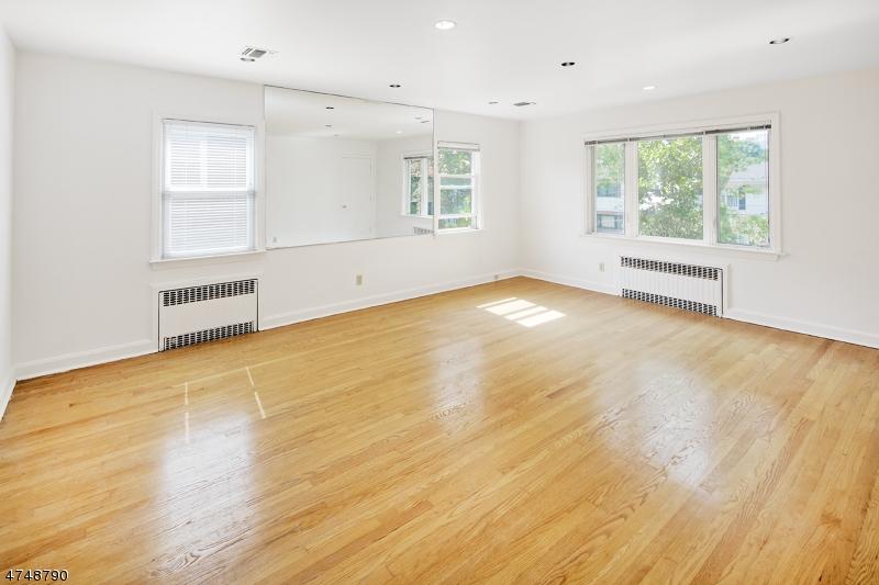 独户住宅 为 出租 在 12 76th Street 北伯根, 新泽西州 07047 美国