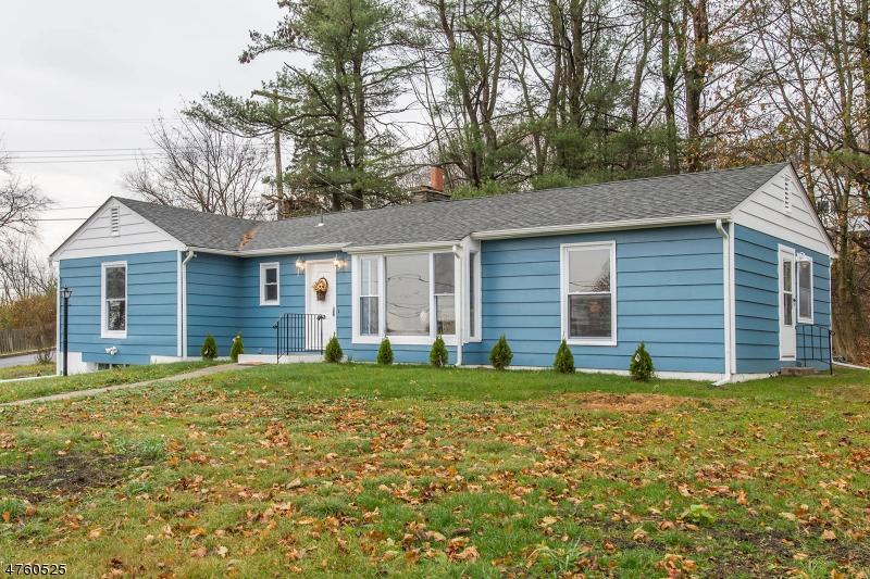 独户住宅 为 销售 在 5 Sussex Court Sussex, 新泽西州 07461 美国