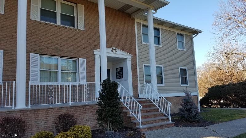 独户住宅 为 出租 在 105 Newark Pompton Tpke Pequannock, 新泽西州 07440 美国