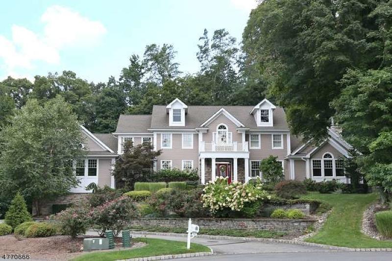 Частный односемейный дом для того Продажа на 10 Ponds Way Oakland, Нью-Джерси 07436 Соединенные Штаты