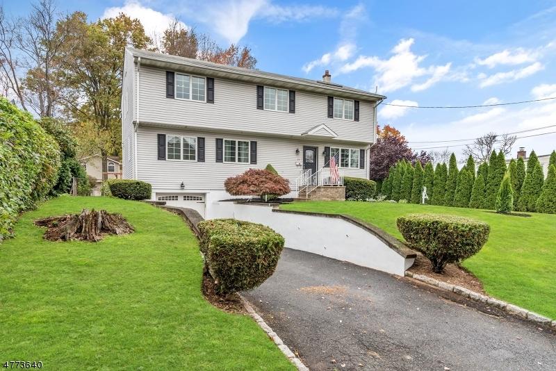 Частный односемейный дом для того Продажа на 23 Hudson Place Glen Rock, Нью-Джерси 07452 Соединенные Штаты