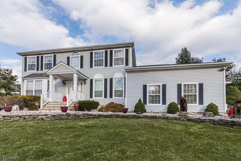 Villa per Vendita alle ore 6 Hearthstone Drive Vernon, New Jersey 07461 Stati Uniti