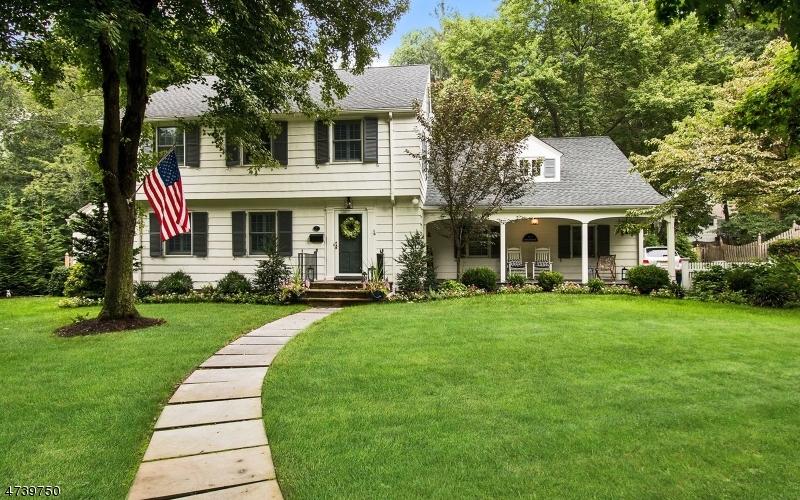 단독 가정 주택 용 매매 에 7 Tanglewood Lane Mountainside, 뉴저지 07092 미국