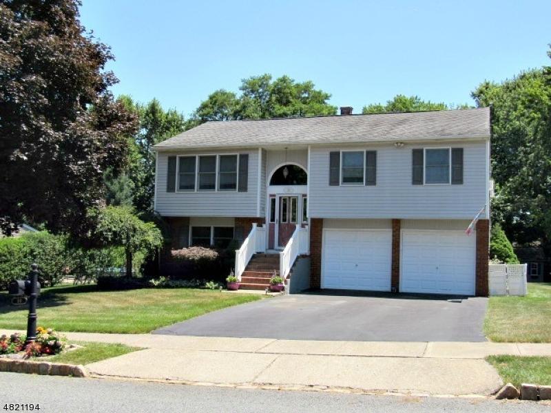 Casa Unifamiliar por un Venta en 30 BUCKELEY HILL Drive Lopatcong, Nueva Jersey 08865 Estados Unidos