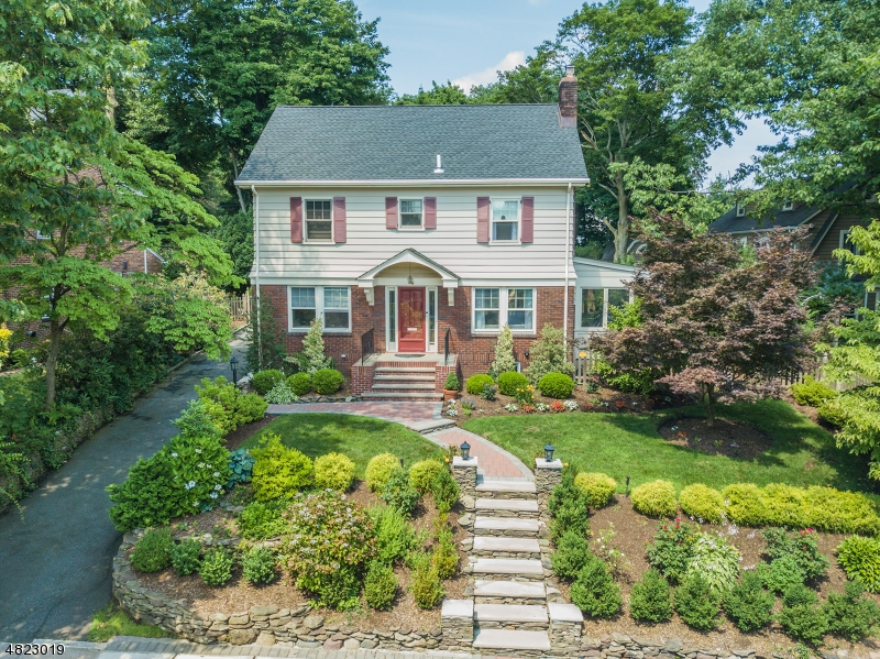 Single Family Home for Sale at 4 RIDLEY Court Glen Ridge, New Jersey 07028 United States