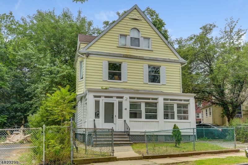 Property pour l Vente à 46 PARK Place East Orange, New Jersey 07050 États-Unis