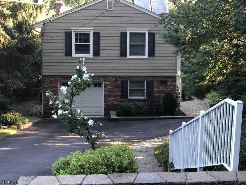 Single Family Home for Sale at 21 FREEMAN Lane Denville, New Jersey 07834 United States