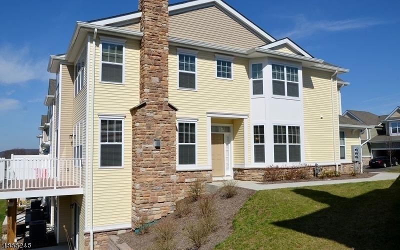 Condominio/ Casa de pueblo por un Venta en 12 ALEXANDERS Road Allamuchy, Nueva Jersey 07840 Estados Unidos