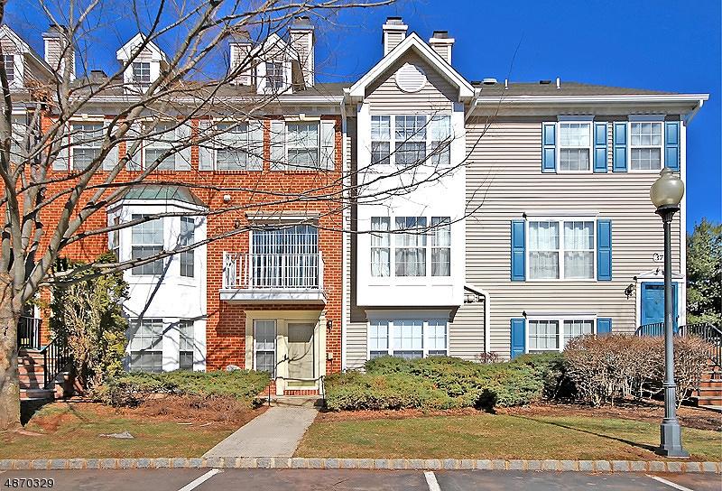 Condo / Townhouse pour l à louer à 3705 RIDDLE Court Bridgewater, New Jersey 08807 États-Unis