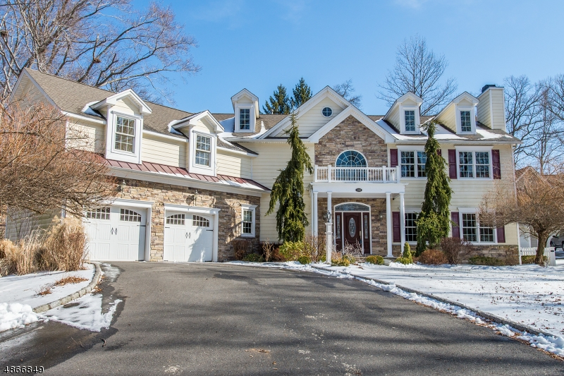 Single Family Home for Sale at 150 CIRCLE VIEW Avenue Berkeley Heights, New Jersey 07922 United States