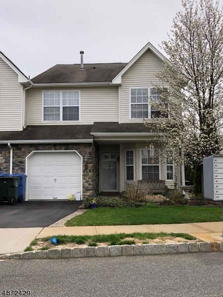Condo / Townhouse pour l Vente à 61 HAWTHORNE Drive Tinton Falls, New Jersey 07753 États-Unis