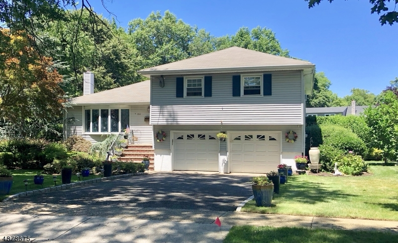 Single Family Home for Sale at Oradell, New Jersey 07649 United States
