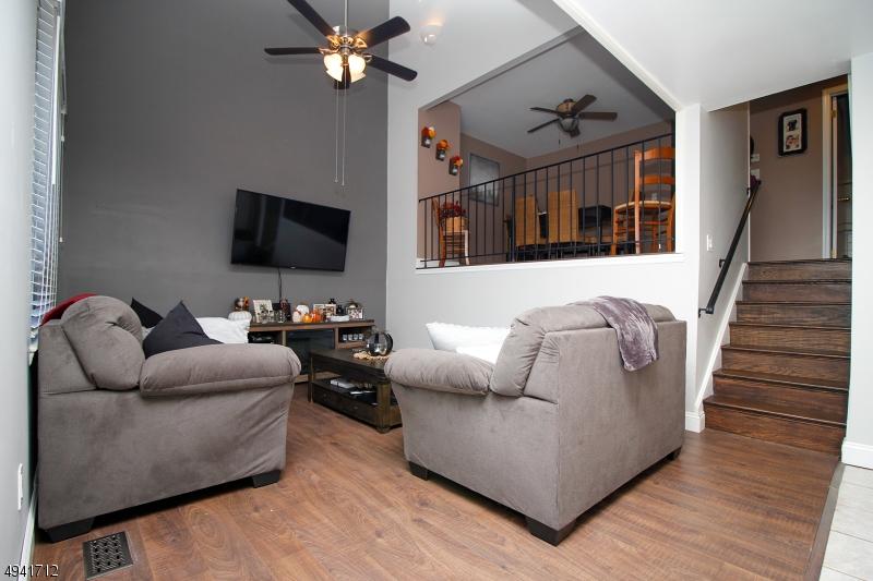 公寓 / 聯排別墅 為 出售 在 Stanhope, 新澤西州 07874 美國