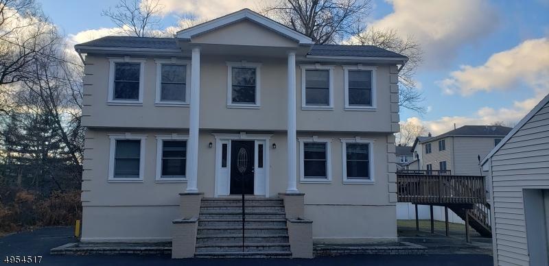 Single Family Homes vì Bán tại Dumont, New Jersey 07628 Hoa Kỳ