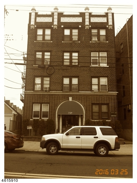 Additional photo for property listing at 759 Avenue A  Bayonne, Nueva Jersey 07002 Estados Unidos