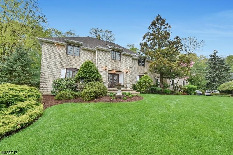 Casa Unifamiliar por un Venta en 812 Sussex Road Franklin Lakes, Nueva Jersey 07417 Estados Unidos