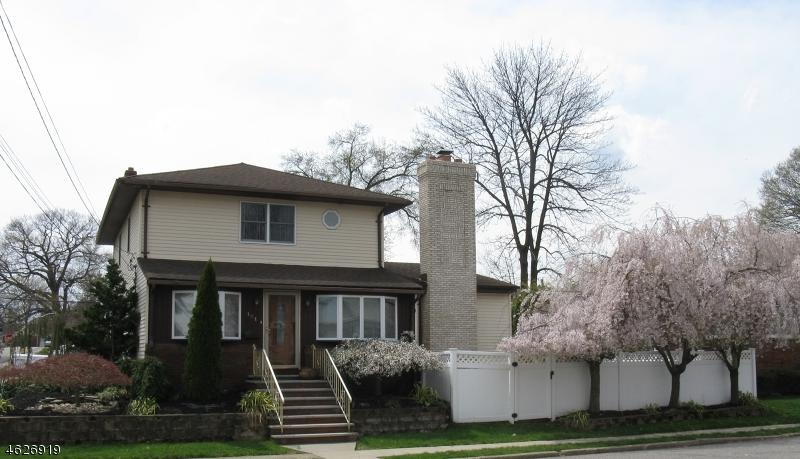 Частный односемейный дом для того Продажа на Address Not Available Totowa Boro, 07512 Соединенные Штаты
