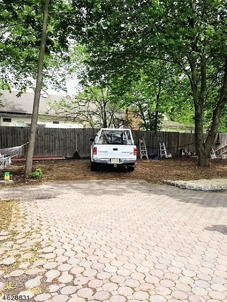 Additional photo for property listing at 247 Whittier Avenue  Dunellen, Nueva Jersey 08812 Estados Unidos