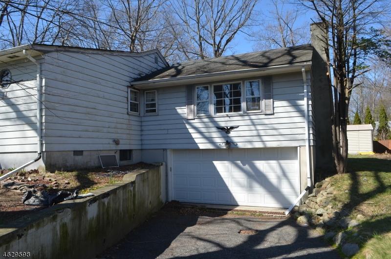 Additional photo for property listing at 11 Gold Lane  Oak Ridge, 新泽西州 07438 美国