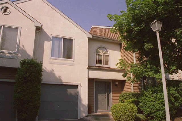 Casa Unifamiliar por un Venta en 955 So Springfield Ave,1107 Springfield, Nueva Jersey 07081 Estados Unidos