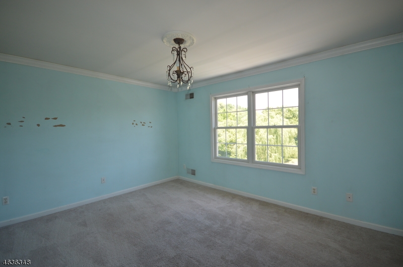 Additional photo for property listing at 26 Saddle Ridge Road  Sparta, New Jersey 07871 États-Unis