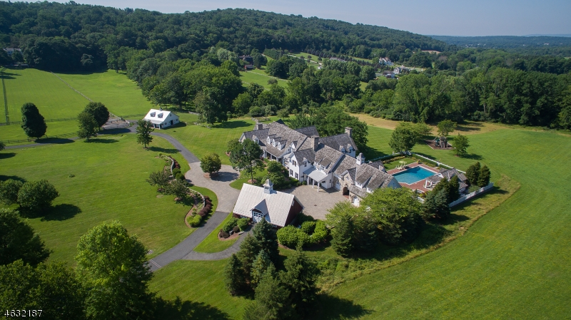 Single Family Home for Sale at 2 Winston Farm Lane Mendham, 07931 United States