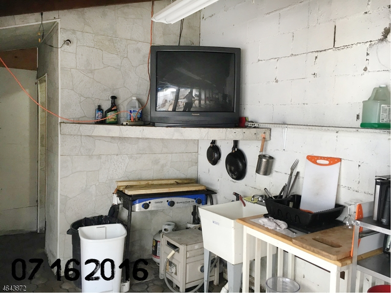 Additional photo for property listing at 120 Fleming Avenue  纽瓦克市, 新泽西州 07105 美国
