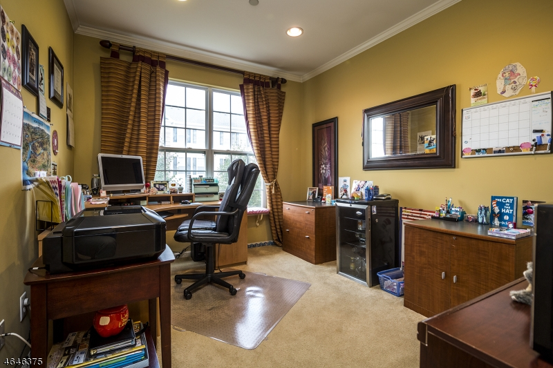 Additional photo for property listing at 23 Tory Jack Ter  South Bound Brook, New Jersey 08880 États-Unis