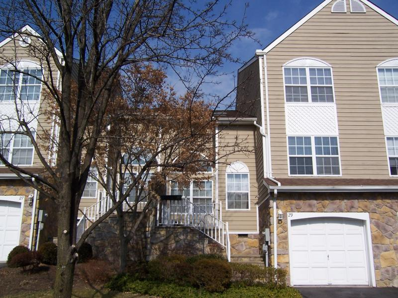 Additional photo for property listing at 29 Stonehedge Road  Millington, New Jersey 07946 États-Unis