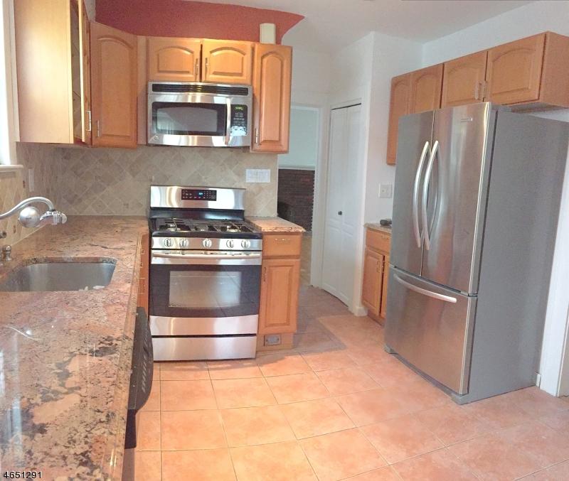 Частный односемейный дом для того Продажа на 624 Sheridan Avenue Roselle Park, Нью-Джерси 07204 Соединенные Штаты