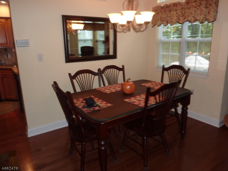 Additional photo for property listing at 11 AJAX Court  Hackettstown, Нью-Джерси 07840 Соединенные Штаты